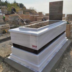İçel Beyaz Mermer Mezar