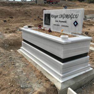 Erzircan Beyaz Mermer Mezar