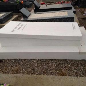 Karşıyaka Beyaz Mermer Mezar