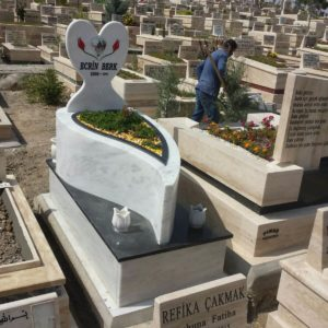 Erzincan Değişik Özel Tasarım Mezarlar