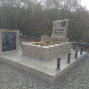 Bolu Değişik Özel Tasarım Mezarlar