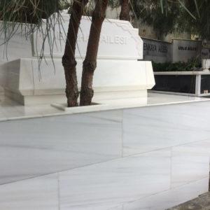 Bala Değişik Özel Tasarım Mezarlar